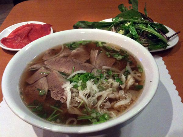 pho lu beef pho tai chin sach What Is Great and Authentic Pho? Heres One Example